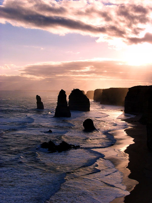 Travel Photo Roulette The Twelve Apostles - Backpacks and Bunkbeds