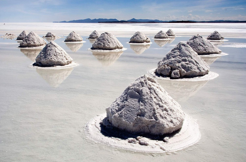 salar-de-uyuni-bolivia-inspiring-natural-design