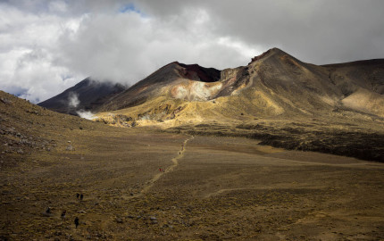 tongariro-crossing-featured