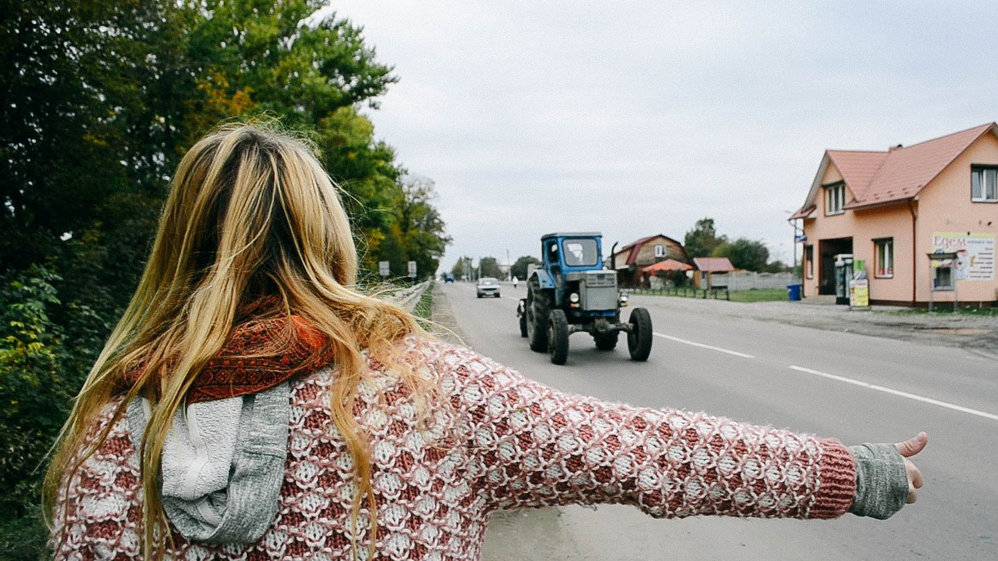 Tractor hitchhiking