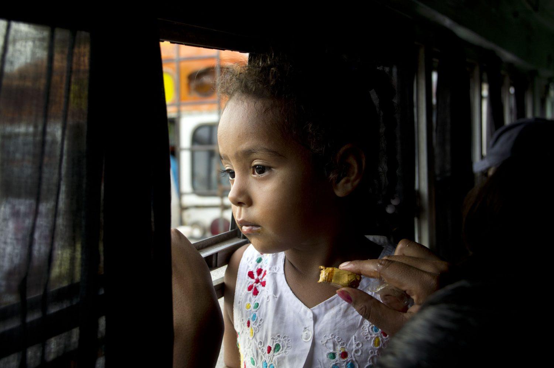 littlegirl-bus-nicaragua