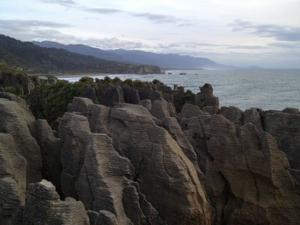 Travel Photo Roulette Pancake Rocks in Punakaiki - Flashpacker Family