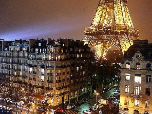 city guide paris-at-night