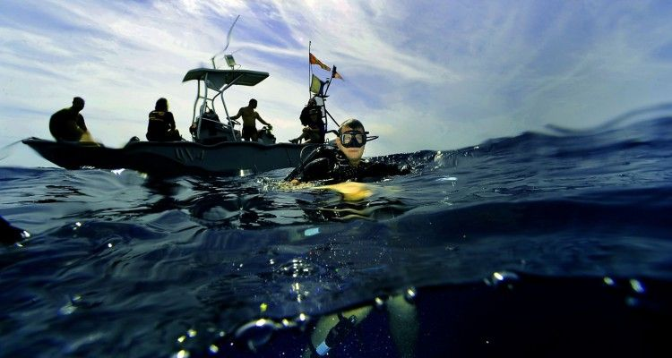 confessions-of-a-divemaster-featured