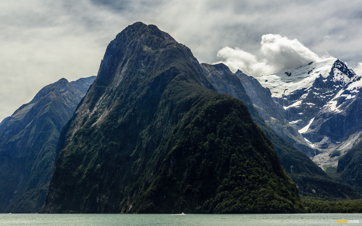 indomitable-milford-sound-view
