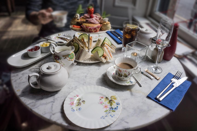 high-tea-featured