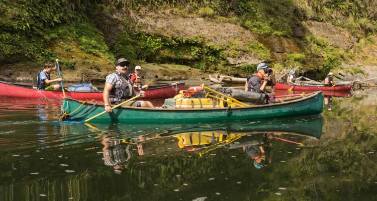 canoe-whanganui-river