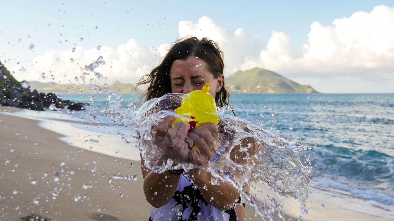 balloon-exploding-beach-nevis-4kphoto