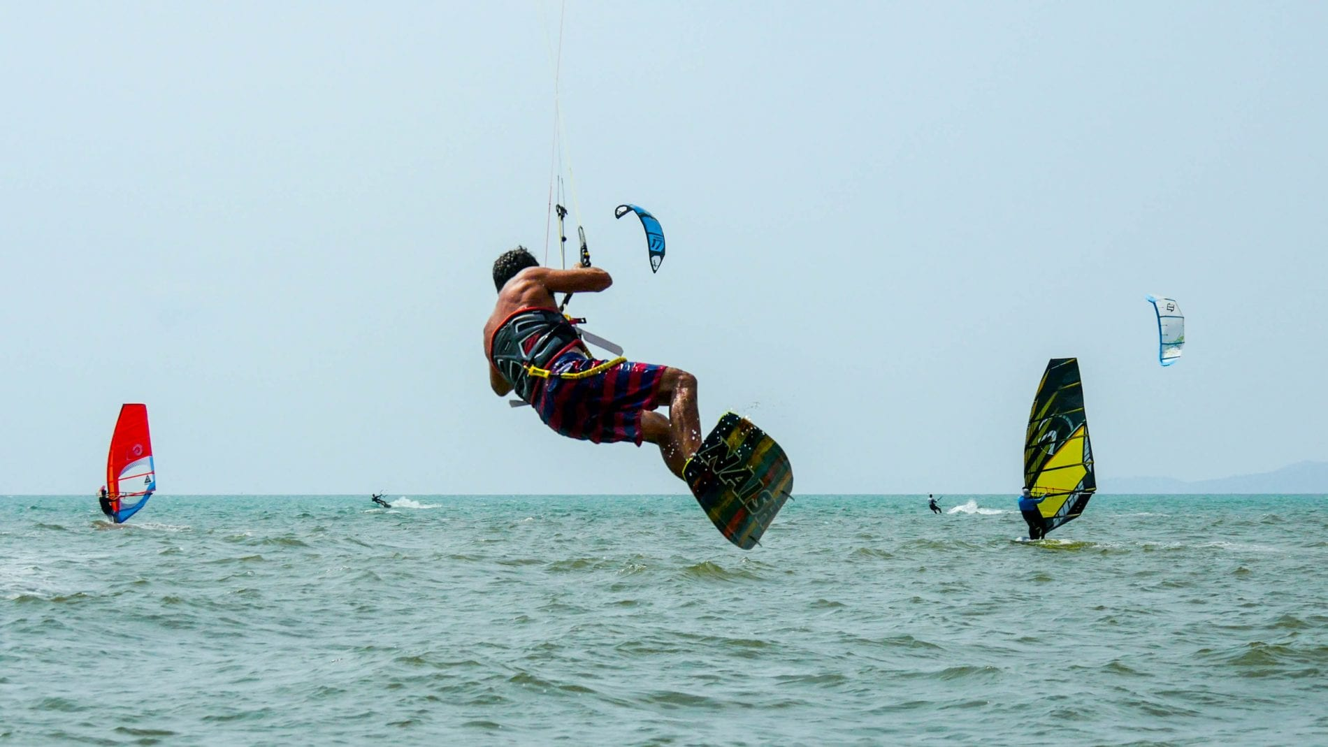 ricardo-kite-boarding-na-jomtien-thailand-4k-photo