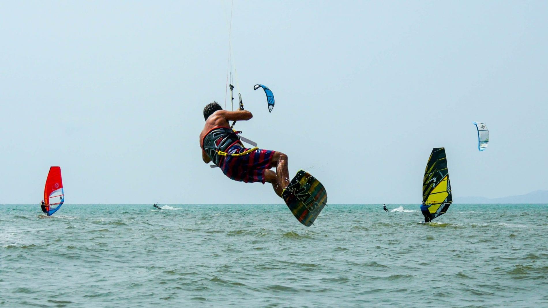 ricardo-kite-boarding-na-jomtien-thailand-4k-photo