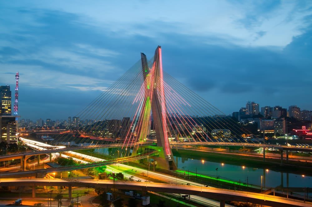 wanderlusterscom-most_famous_bridge_in_the_city_of_sao_paulo_brazil-57ad8eb5520b4